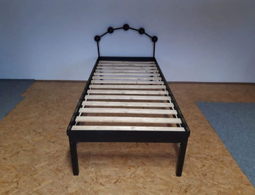 Zváraná kovová posteľ (model 1)