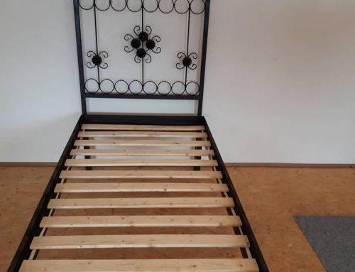 Zváraná kovová posteľ (model 2)